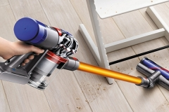 dyson v8 absolute recensione
